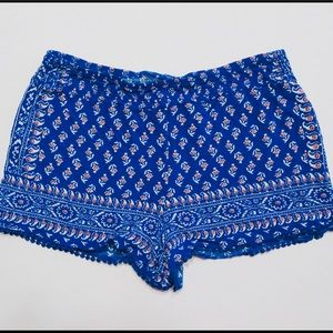 Gianni Bini Blue Floral Shorts with crochet detail